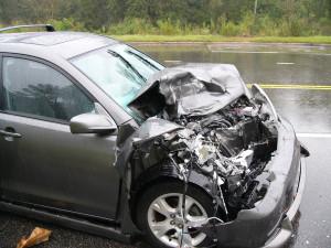 samochód po kolizji