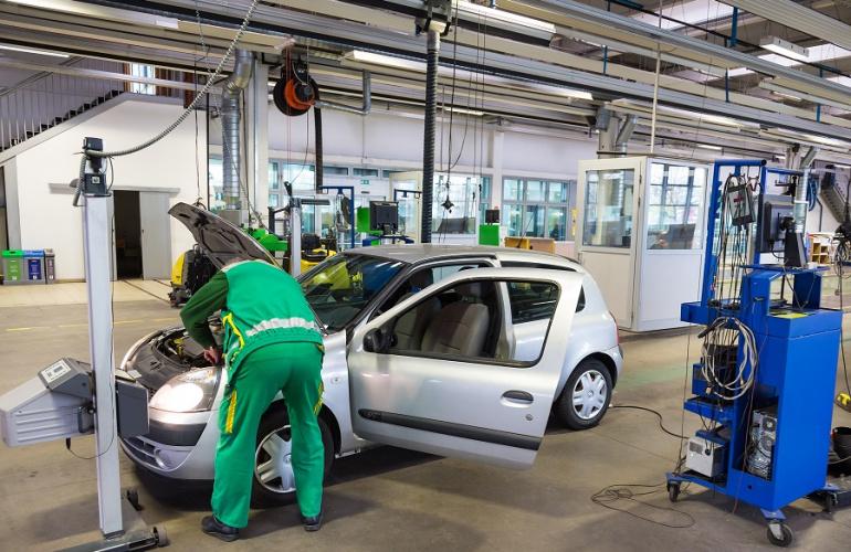 Jak sprawdzić stan techniczny auta przed zakupem?